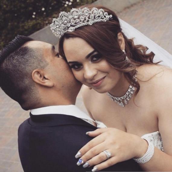 Sacramento Wedding Accessories   Luxurious Bridal   Wedding Veils   Wedding Tiara   Wedding Hair Comb   Wedding Attire
