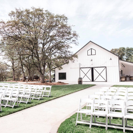 Barns at Willow Creek Browns Valley-Sacramento Wedding Venue - Real Weddings Magazine