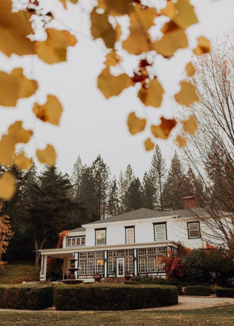 Real Weddings Magazine Special Offer Discount Monte Verde Inn Foresthill Garden Venue | Best Sacramento Tahoe Northern California Vendors