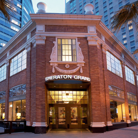 Sheraton Grand Sacramento-Ballroom-Hotel-Wedding Venue-Historic-Real Weddings Magazine
