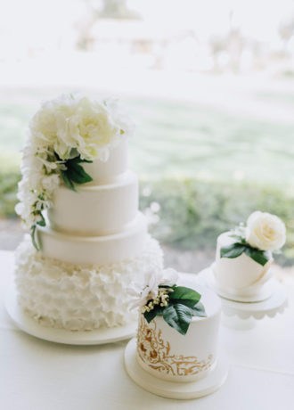 Real Weddings Magazine Special Offer Discount Baker & A Black Cat Cakes Desserts Placerville | Best Sacramento Tahoe Northern California Vendors